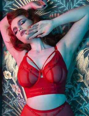 PP3144 Playful Promises Eddie Crossover Wrap Bra Core - PP3144 Red