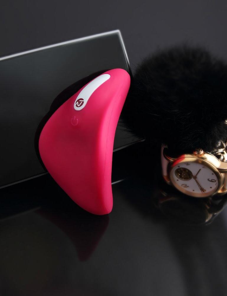 E269 Nomi Tang Better Than Chocolate 2 Vibrator - E24935 Hot Pink